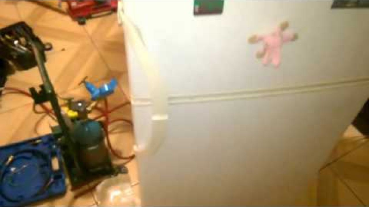 Ремонт утечки в холодильнике Snaige RF360