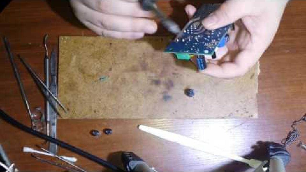 Водонагреватель Титан не включается - ремонт платы управления