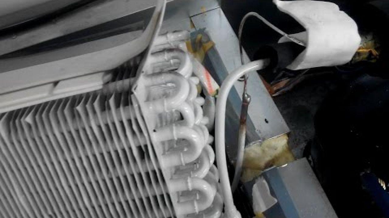 Засор капилярки на входе в испаритель холодильника Tefcold