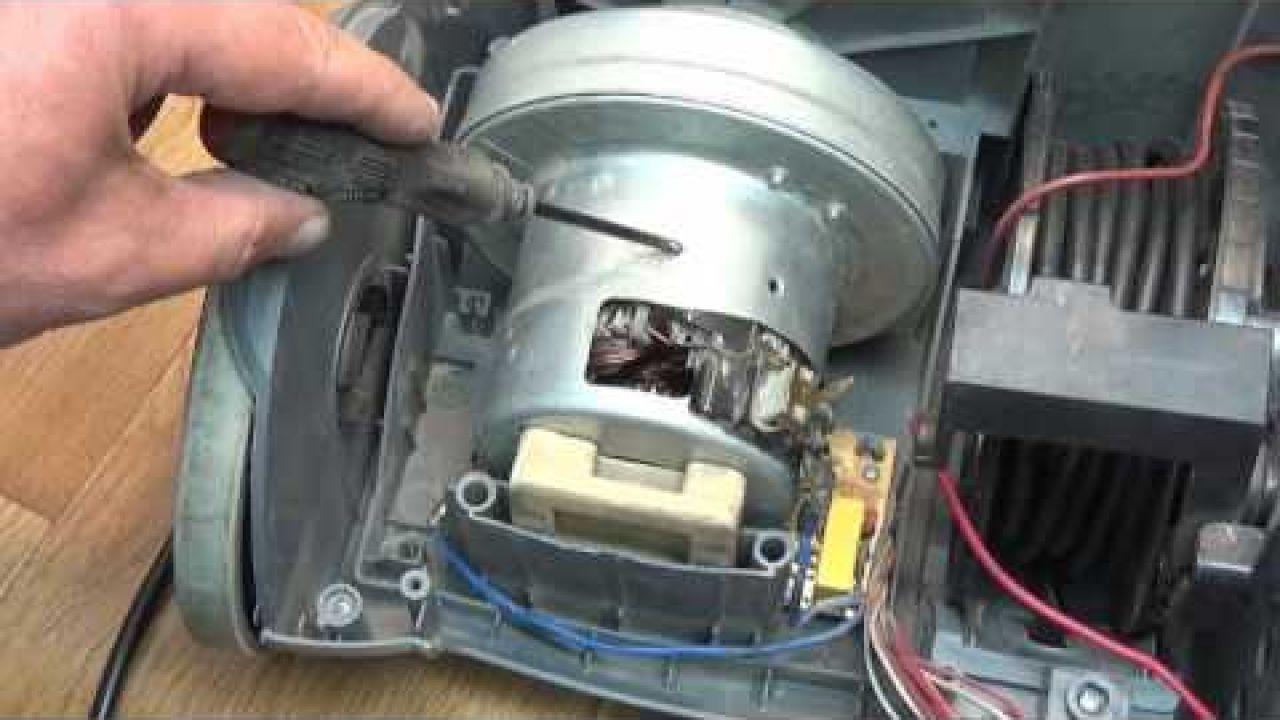 """Ремонт пылесоса """"Saturn 2000W"""" - замена конденсатора \ диода"""