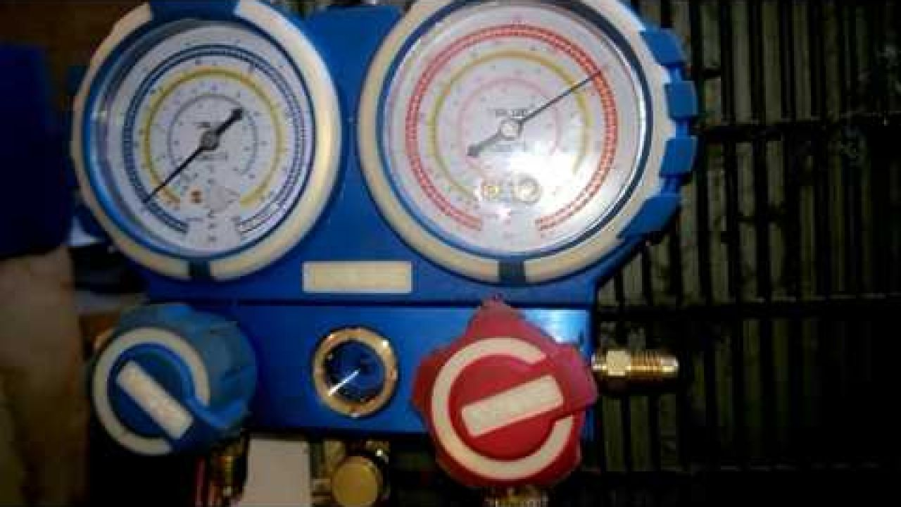 Ремонт утечки и замена компрессора холодильника Snaige