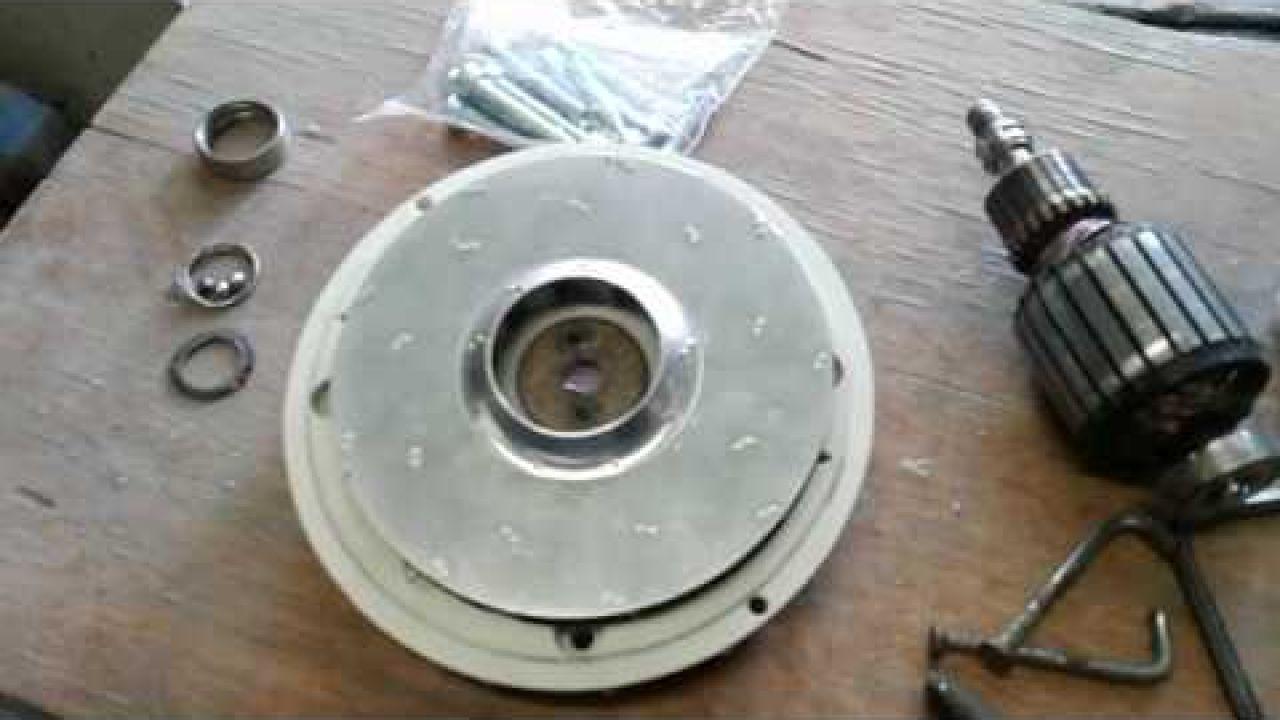 Как снять крыльчатку с мотора пылесоса Philips (крепление без гайки)
