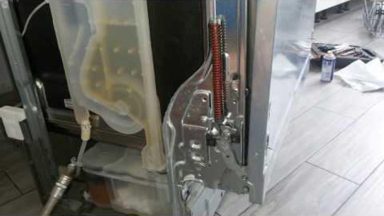 Ремонт и устранение скрипа дверцы в посудомоечной машине Electrolux ESL76211LO